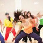 Занятия зумбой способны уменьшить боли во время менструации