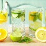 Помогает ли вода с лимоном похудеть, объяснили диетологи
