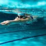 Судороги ног во время плавания: советы, которые сохранят жизнь